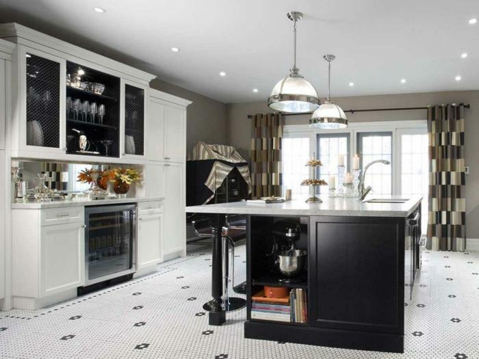 cortinas para cocina, interior moderno en blanco y negro con grande barra multifuncional en la mitad, cortinas originales