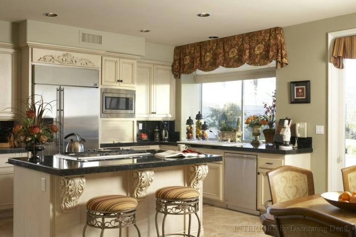 cocinas modernas blancas, cocina moderna con barra en la mitad, cortinas en marrón con estampados de flores, barra con encimera de mármol