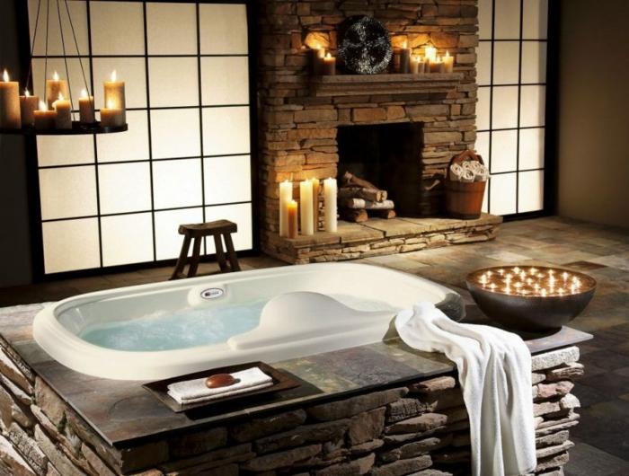 propuesta de azulejos para baños en estilo rústico, ambiente acogedor y romántico con candelabro vintage y muchas velas decorativas