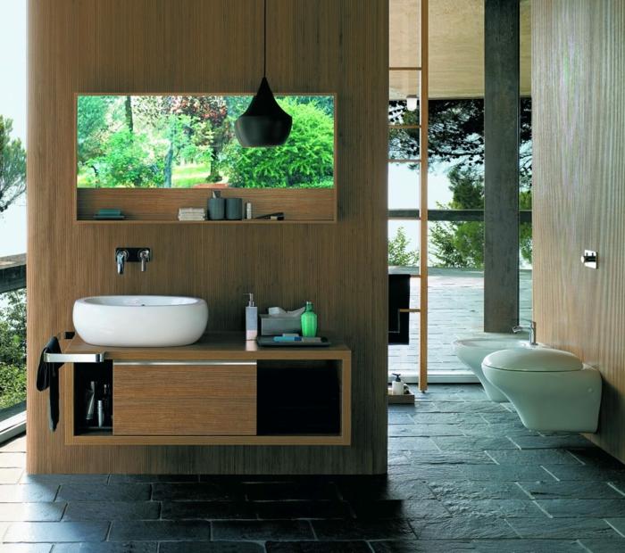idea origibal para decorar baño, armarios de baño, material madera, lavabo oval, espejo grande, baño con paredes de vidrio
