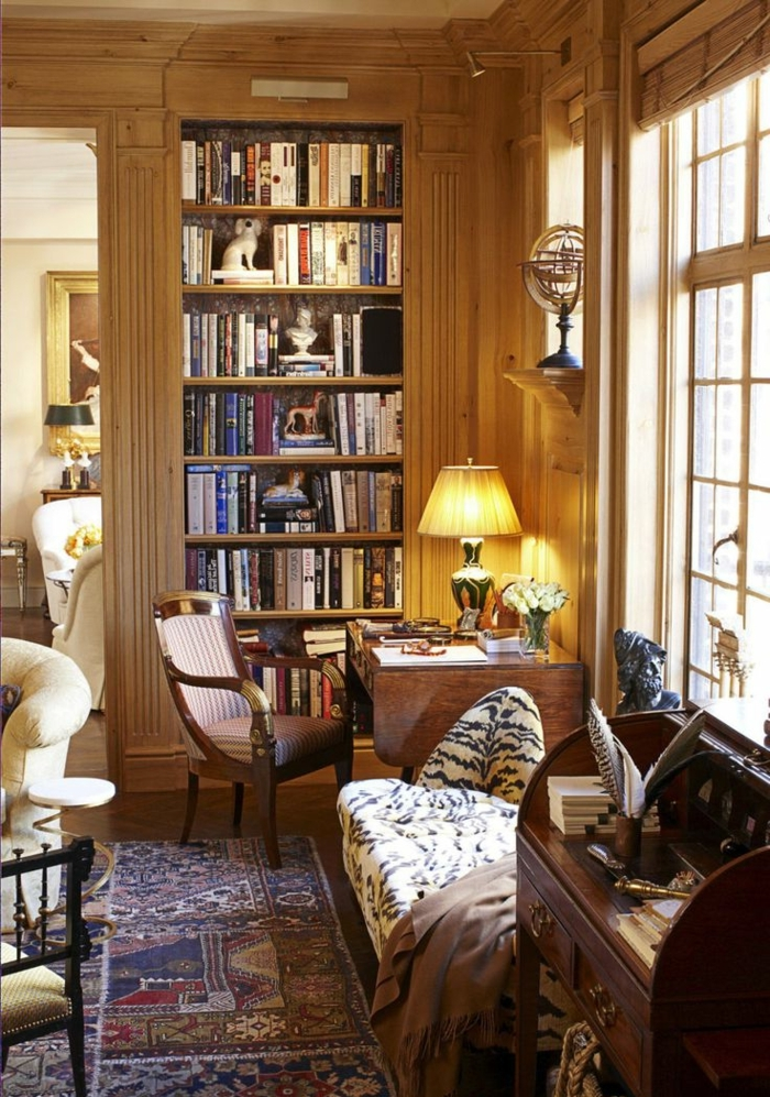 interiores acogedores, salón despacho, estanterías para libros, librería empotrada, pared con madera, alfombra persa, escritorio, decoración rústica