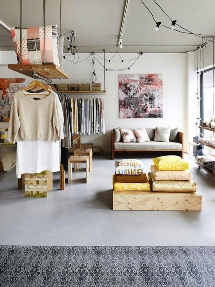 biombos ikea, interior moderno decorado en colores claros, objetos y muebles de madera, cuadro decorativo en estilo contemporáneo