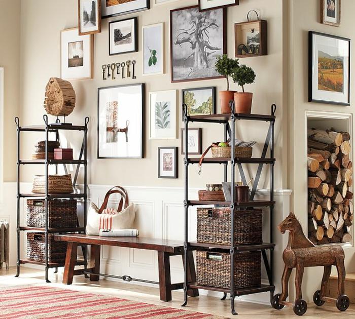 manualidades con fotos, recibidor moderno decorado con muchos objetos, pequeño banco de madera y muchas fotos de elementos de la naturaleza
