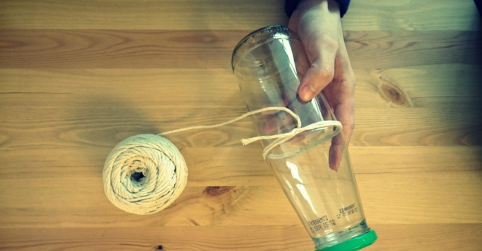 propuesta encantadora para decorar una botella de vidrio, botella dibujo, manualdiades para regalar