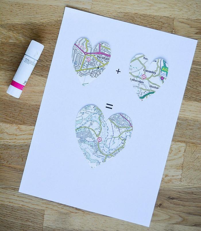 regalos san valentin, idea de cuadro con mapas en forma de corazones y llaves, parejas conviviendo, tutorial paso a paso, manualidad romántica