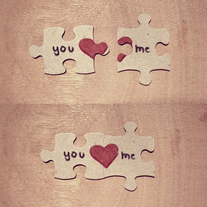 puzzle romántico de cartón y corazones rojos, regalos san valentín, sorpresa para él, regalo hecho a mano sencillo