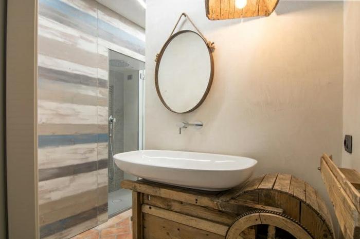 ideas para decoracion rustica, baño luminoso y pequeño en estilo rústico con lavabo moderno, muebles de madera