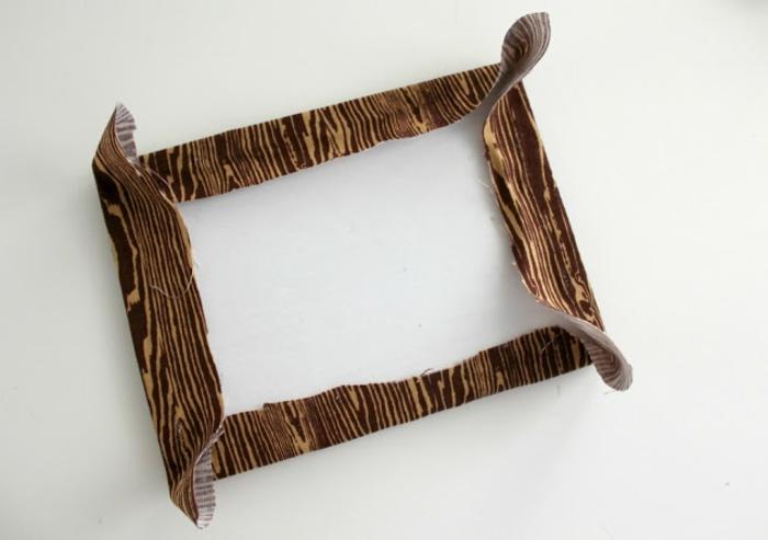 tutorial para cuadro con letras bordadas, cómo adherir la tela al marco, que regalar a tu novio, ideas para parejas