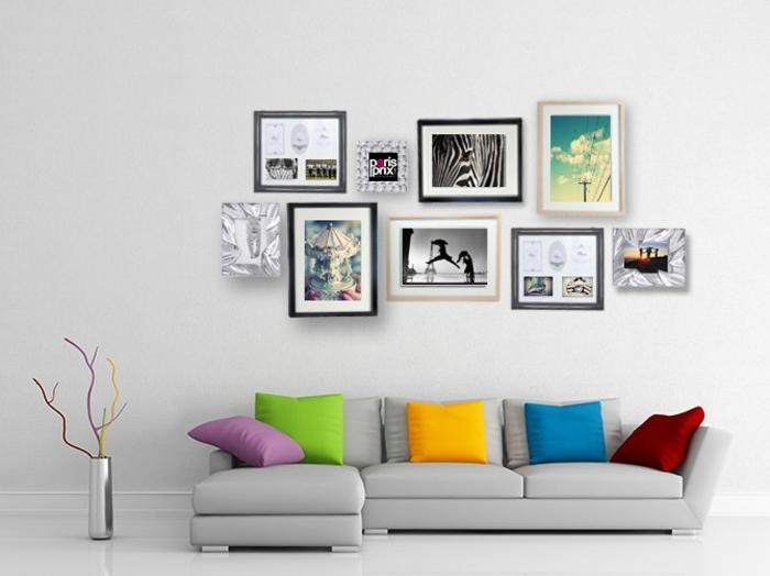 fotos originales, salón en estilo contemporáneo decorado con cojines en colores llamativos, fotos de diferente estilo y tamaño