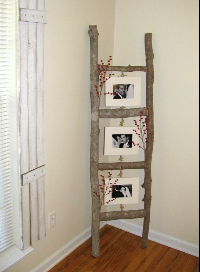 fotos familiares, escalera DIy decorada con fotografias de boda en blanco y negro, idea original para decorar el hogar
