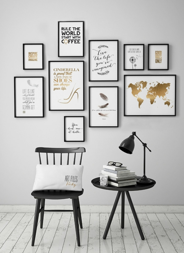 marcos de fotos originales, salón en estilo contemporáneo con cuadros decorativos en marcos negros, ambiente en blanco