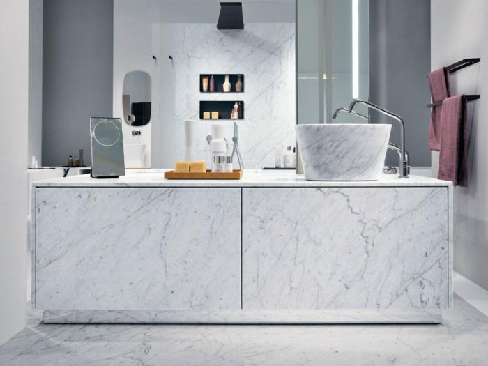 armarios de baño, decoración moderna con mármol, mueble lavabo grande, lavabo profundo, ducha de obra con nichos