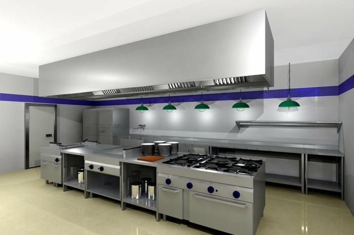 cocina grande en tonos metálicos, decoración con lámparas vintage en verde y detalle en color lila, diseñar cocinas con estilo