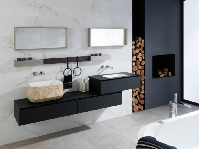 decoración moderna con un toque rústico, muebles de baño modernos, baño con chimenea y leña, lavabo con mueble negro, dos espejos, bañera