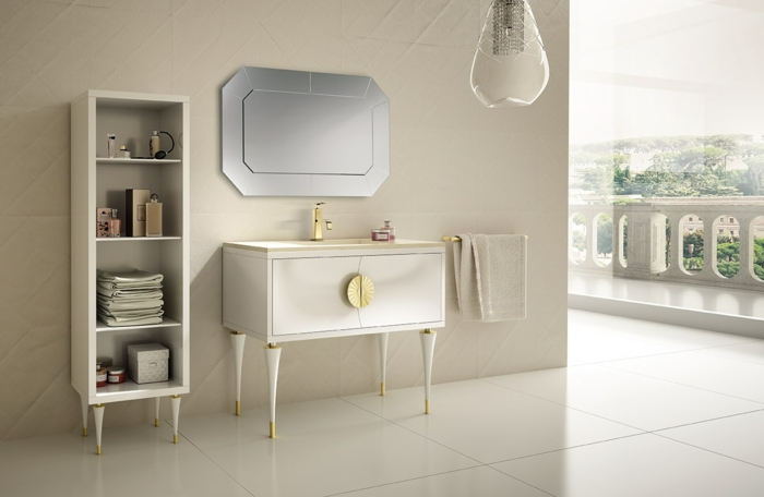 idea de decoración baños, estantería con patas, lavabo dorado, mueble con asa dorada, espejo, lámpara colgante, muebles de baño