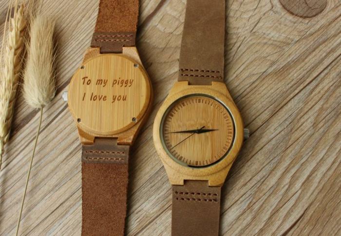 relojes de madera con mensaje de amor, ideas para san valentin, correas de piel, regalo original y bueno para el medio ambiente