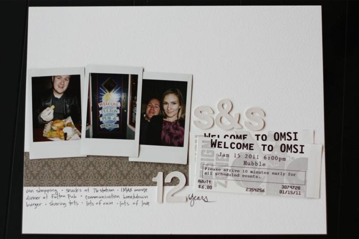 regalo para él con una actividad romántica, billetes para un evento, fotos de la pareja, que regalar a tu novio, manualidades con cartulina