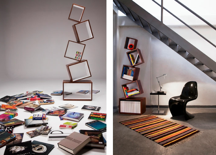 baldas de madera, espacio bajo escalera, rincón de lectura, tapete, estantería moderna de cuadrados, silla negra de plástico