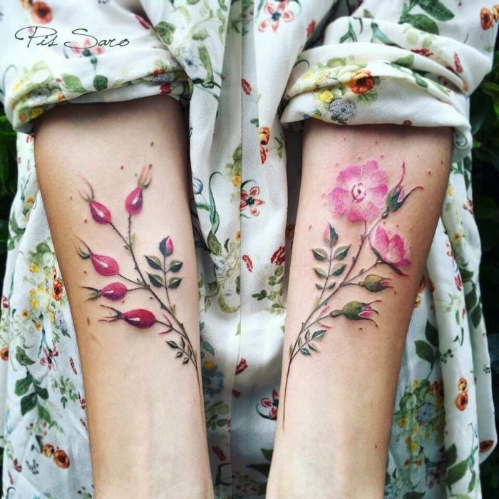 tatuajes muñeca, tatuajes femeninos de color con flor de mosqueta, mujer con camisa de motivos florales, los ods antebrazos tatuados