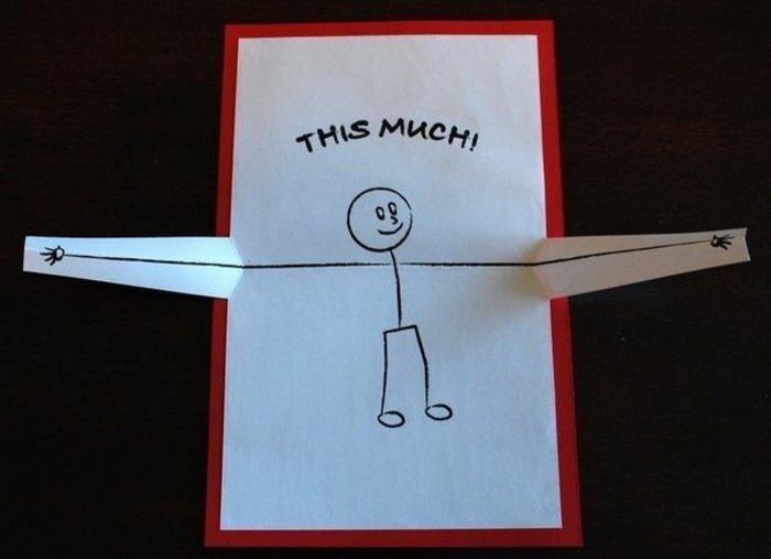 tarjeta desplegable de papel y cartulina en blanco y rojo, te quiero así de mucho, regalos originales para novios, dibujo infantil