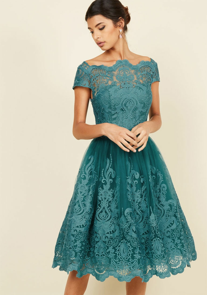 vestidos boda, vestido de madrina corto con mucho encaje, talla princesa, color aguamarina, escolte ilusión. mangas cortas