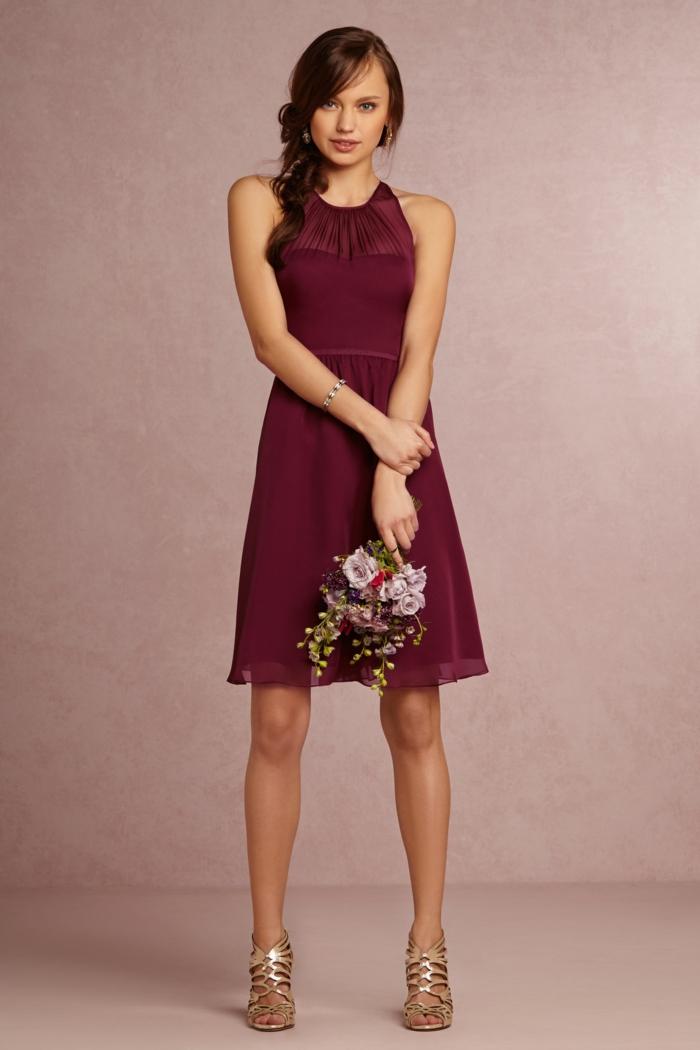 trajes de madrina, vestido de madrina para bodas de día, corte media pierna, talla princesa, color vino, escote ilusión