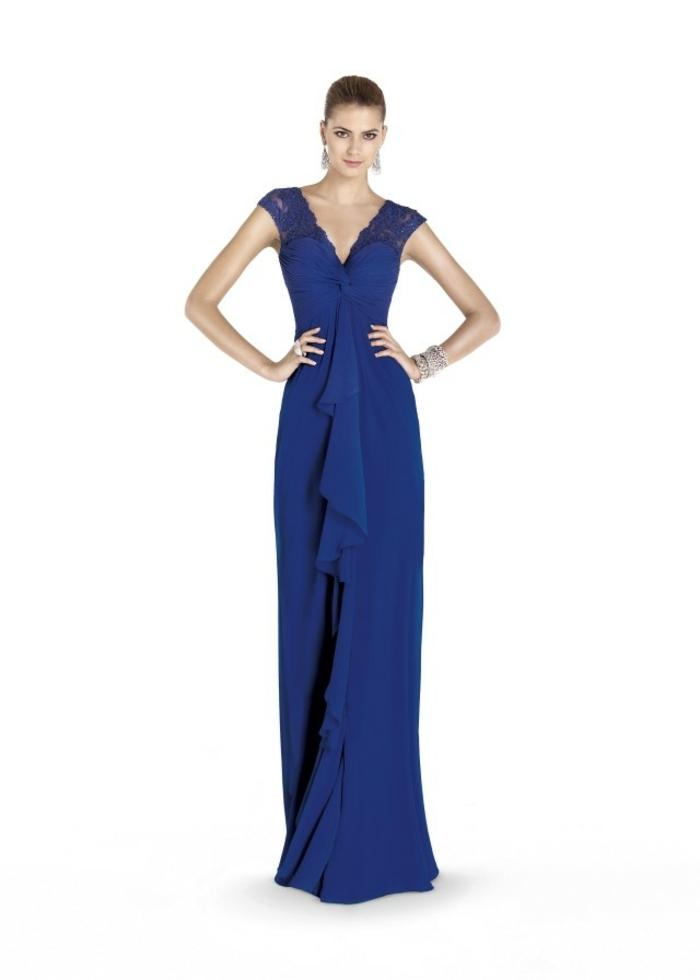 trajes de madrina, vestido de amdrina largo elegante, color azul royal, correas con encaje, escote forma v