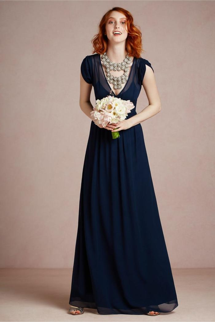 trajes de madrina, vestido largo elegante para madrina, escote forma v profundo, collar masivo, sin mangas, talla princesa