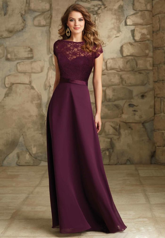 vestidos para bodas, vestido de madrina largo con mangas cortas, color morado, talla princesa, escote ilusión