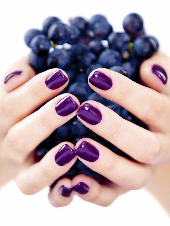 manicura sencillo en un solo color, uñas decoradas diseños actuales pintadas en ultravioleta, ideas con el color del año para 2018