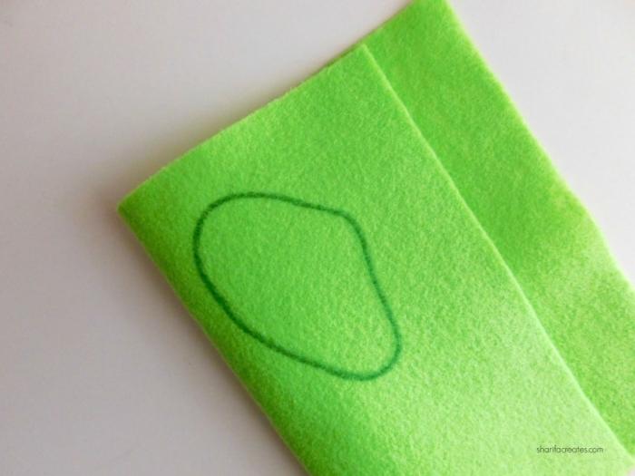 manualidades hechas de fieltro, hoja de fieltro en verde, manualidades faciles para hacer en casa con tutoriales detallados