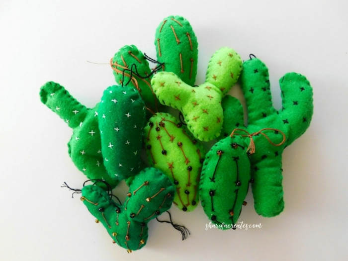ejemplo de manualdiades fieltro, juguetes divertidos hechos a mano, ideas DIY para niños y pequeños