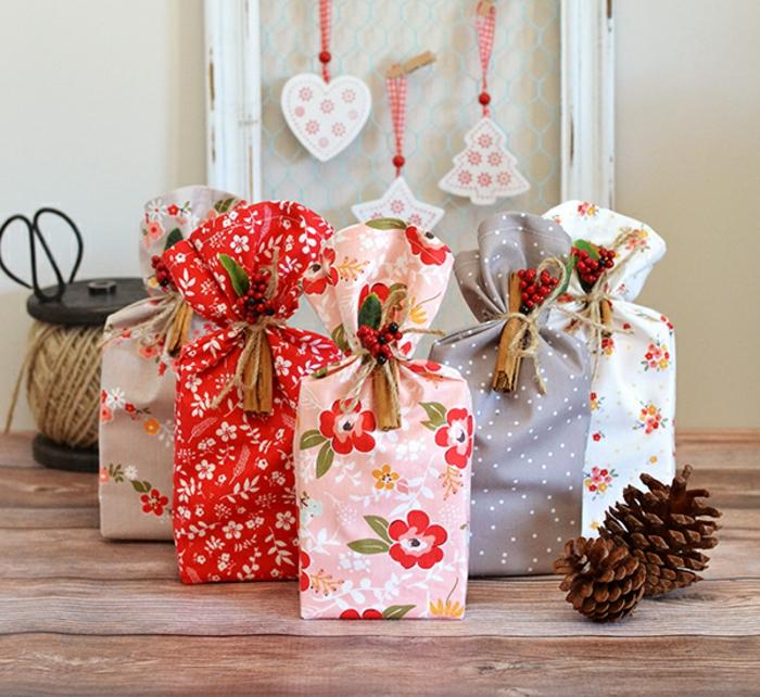 paquetes de regalo con embolso decorativo, cojines para bebes DIY, telas con estampados motivos florales paso a paso