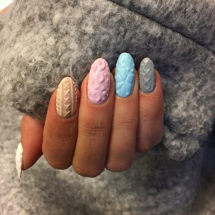 gel tridimensional en colores pastel, decoracion de uñas en tonos pastel del blanco, beige, rosa, azul y gris