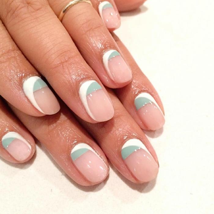 tendencias en la manicura esta primavera, decoracion de uñas en colores pastel, base en rosado con decoracion en blanco y verde