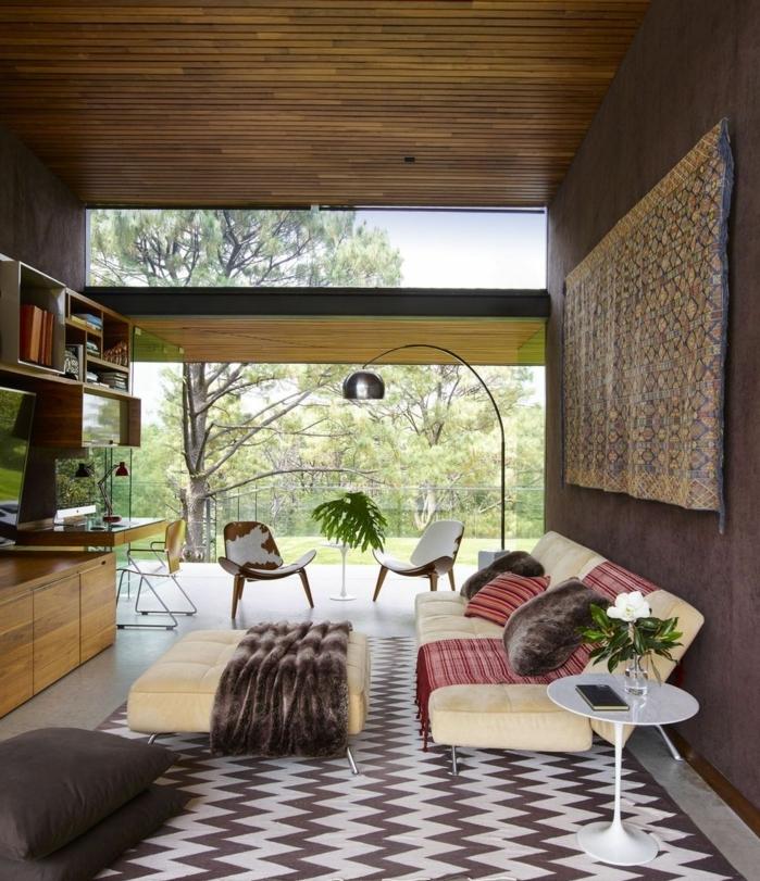 bonito salon moderno y acogedor con muebles en color plátano y detalles en marrón, decoracion salon moderno minimalista