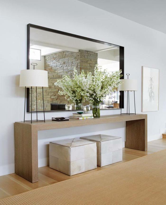 espejos salon de encanto, grande espejo de pared en forma rectangular, decoración de flores en blanco