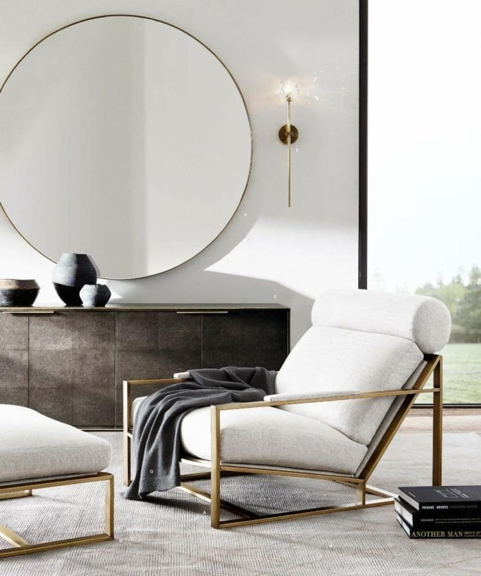 rincón precioso con grande espejo, espejos salón modernos, sillones tapizados en beige elegantes