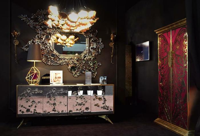 cuarto de baño en estilo ecléctico en colores oscuros, espejos para baños super originales, detalles en color oro