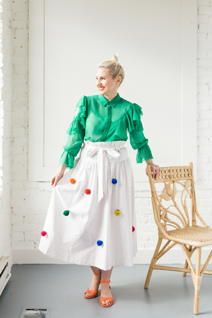 como-hacer-pompones-pequeños-para-decorar-tu-hogar-manualidades-faciles-de-hacer-paso-a-paso-pompones-en-colores