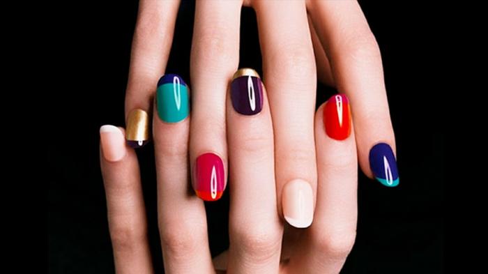 manciura francesa moderna en muchos colores, uñas en gel extravagantes, tendencias para 2018