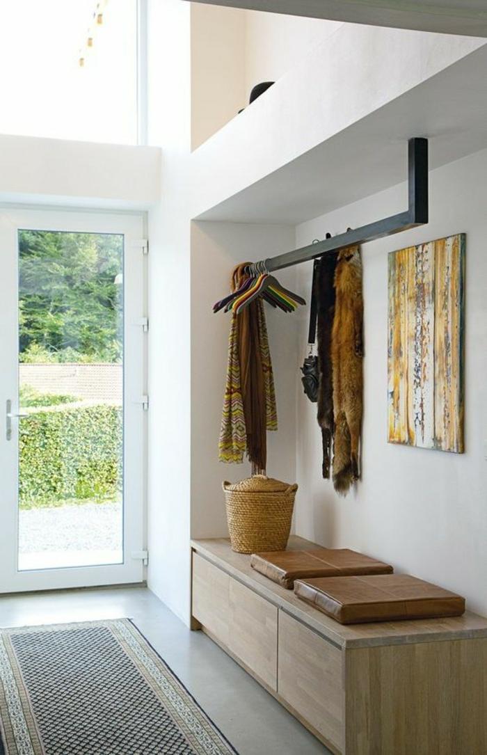 recibidores originales de diseño sencillo, decoración con objetos de mimbre, recibidor en estilo bohemio