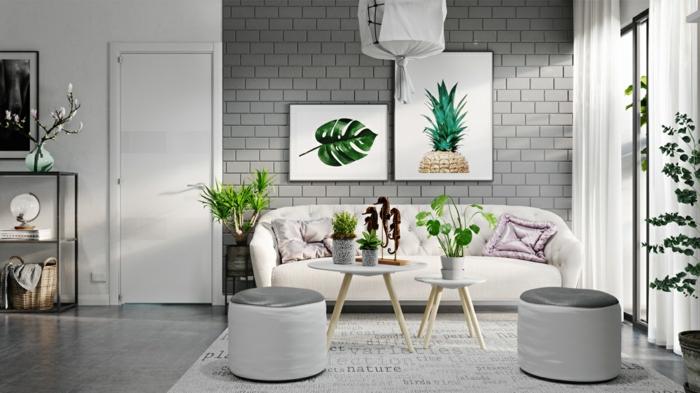 salon moderno con pared de ladrillo visto esmaltado, colores que combinan con gris, plantas verdes, sofá con cojines lilá, suelo laminado, luz natural, taburetes