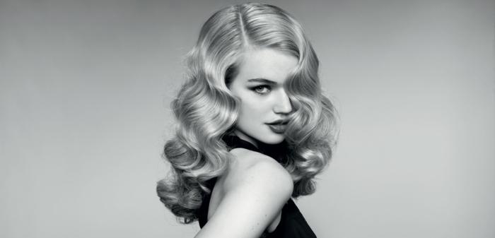 rettro ondas en el pelo, peinado moderno con toque vintage, media melena ondulada en color rubio