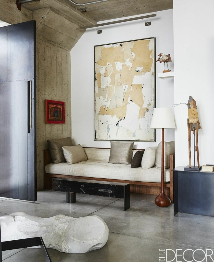 precioso salón recibidor con grande cuadro decorativo, salones modernos pequeños decorados en estilo minimalista