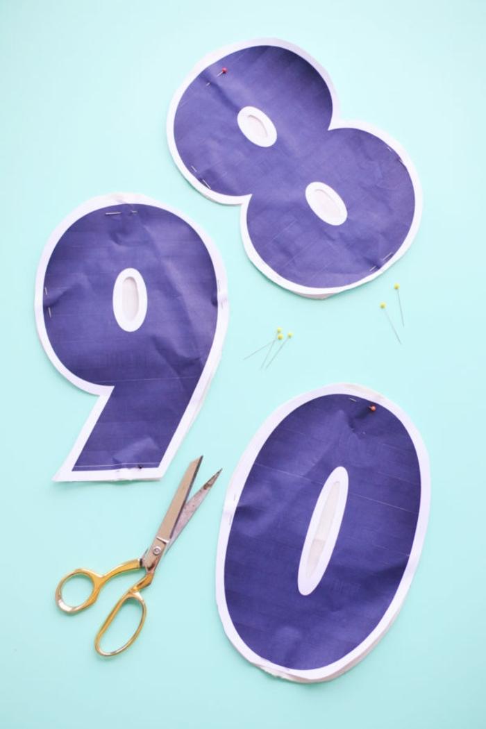 como hacer unas plantillas en forma de cifras para la elaboración de unas almohadas de adorno paso a paso
