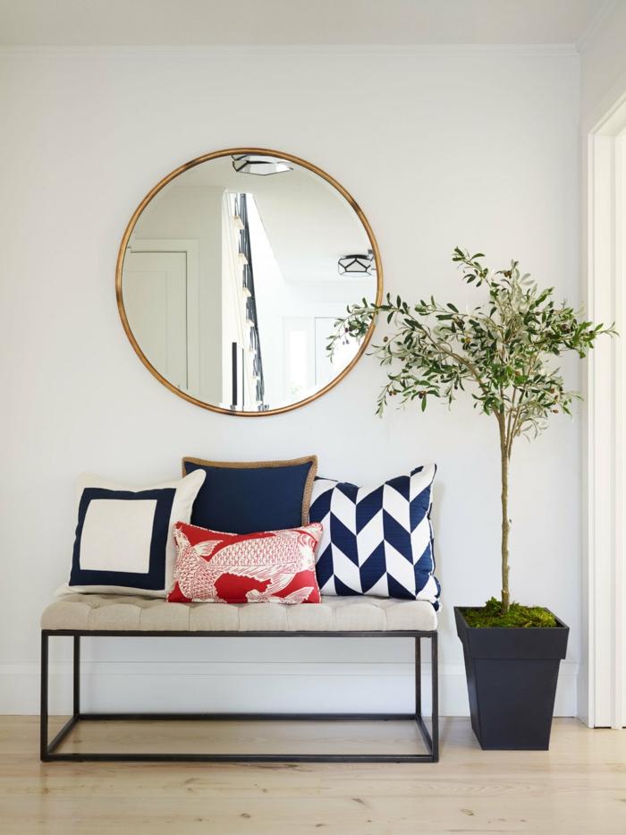 elegancia y funcionalidad, recibidores ikea con muebles modernos, banco tapizado en capitoné, decoración de espejo y planta verde