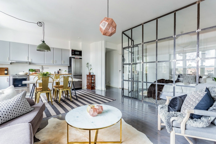 dormitorios matrimonio, espacio multifuncional, dormitorio separado del salon comedor con mámpara de vidrio, decoración en tonos neutros