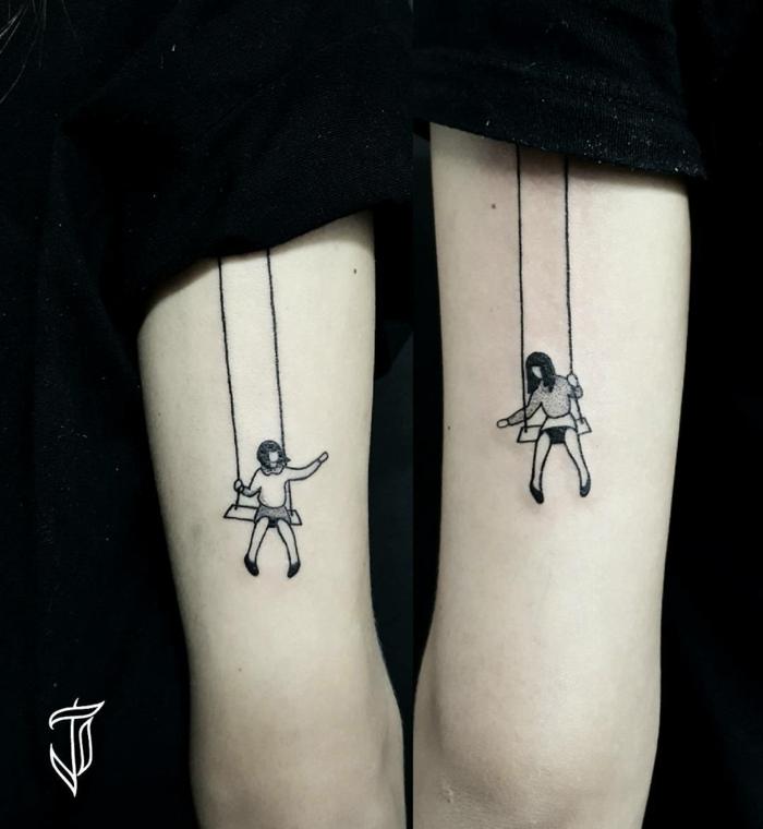 niñas en columpio dándose la mano, idea de tatuaje para hermanas,simbolos que signifiquen familia, diseño original, tatuaje en el brazo