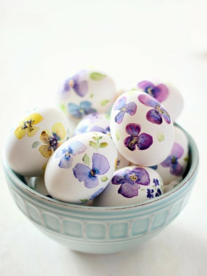 preciosa decoración para la primavera con huevos de pascua decorados con dibujos de flores, como decorar huevos de pascua ideas originales